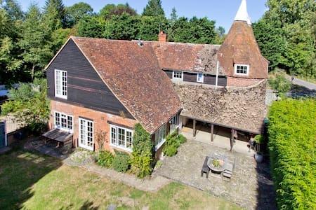 Large family house in Kentish Weald - Kent - Casa