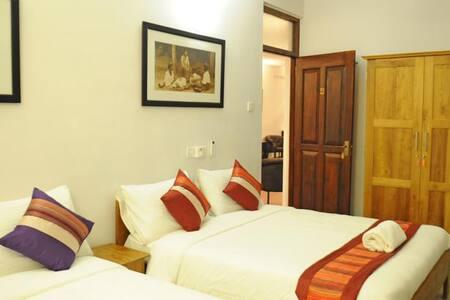 The Villa in Lavinia B&B Family AC room with pool - Dehiwala-Mount Lavinia