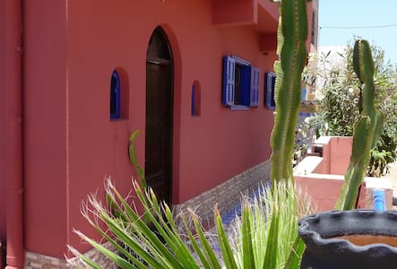 Sunny Seaside Apartment, Mirleft, SW Morocco - Mirleft - Apartamento