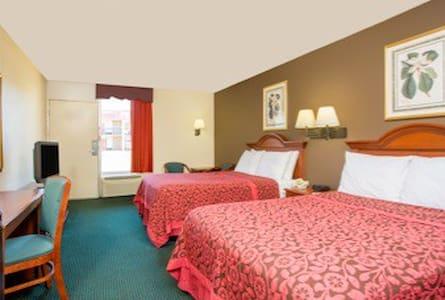 BED & MORE FORSYTH GA - Bed & Breakfast