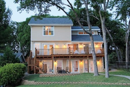 New Cedar Creek waterfront-Sleeps13 - Haus