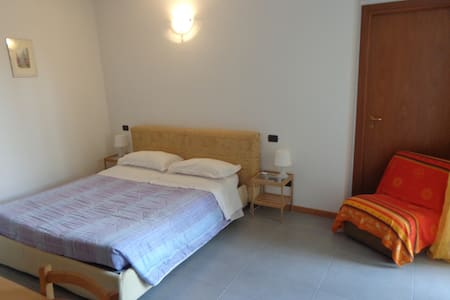 LA CORTE B&B (3 STANZE) B - Fagnano Olona - Bed & Breakfast