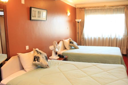 Green Hills Hotel - Kampala - Bed & Breakfast