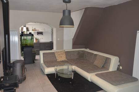 quiet area near all amenities - House