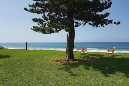 Private Beachfront Apartment Backyard to Beach; 3 - Daire
