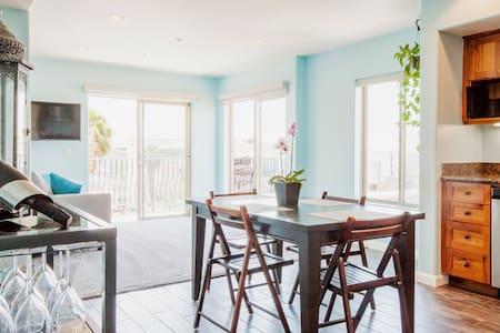 Cute room in bay view condo! - Apartment