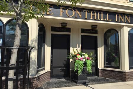 THE FONTHILL INN, On The Green - Pelham - Apartment