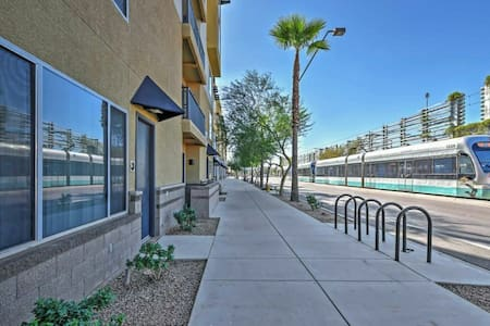 Spacious Studio, Tempe, Light Rail - Tempe