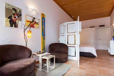 Private Studio Central Village - Wohnung