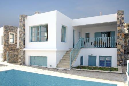 Alkis villa in Mohlos- 9 persons - Sitia - Villa