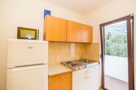 Apartments Pero / One Bedroom North - Orebić