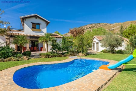 Andalucian style, with private garden and pool - Coín - Villa