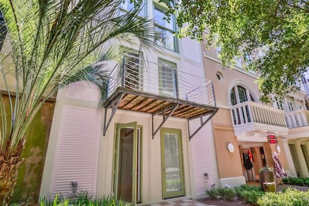 Desire - 4BR Home Water View - Other