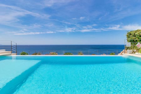 Villa Azul · Luxurious oceanfront villa w/ pool - Villa