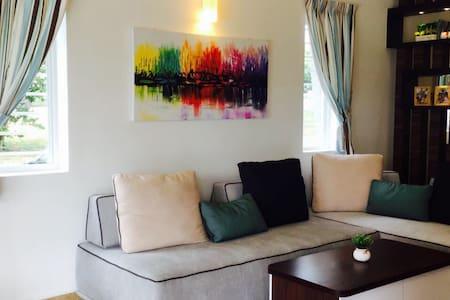 The White House - Cozy Attic - Subang Jaya