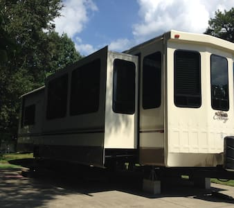 RV Living at Its Best - Edgewater