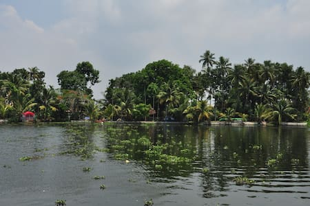 Vacation Waterfront Villa - Alleppey Backwaters - Alappuzha - Villa
