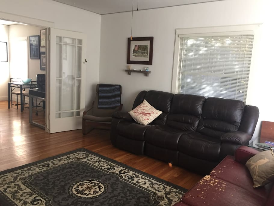 spacious one bedroom in the heart of midtown apartments