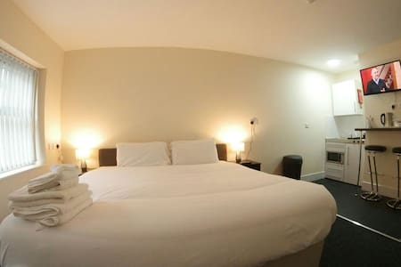 Double Suite @ Lymedale Suites - Newcastle-under-Lyme