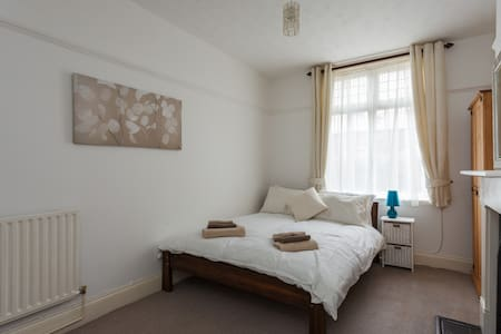 Central Southsea 2 bed apartment