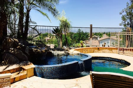 Detached casita with pool and view. - Temecula - Dům