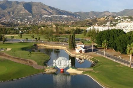 Golf course, beaches,leisure areas,Swimming pools - Mijas - House