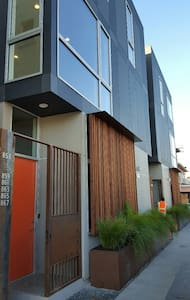 Modern 2 Bedroom, 3-Storey Townhome