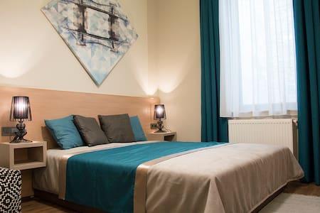 2 bedroom 2 bathroom luxury suite @ Opera - Budapest - Appartement