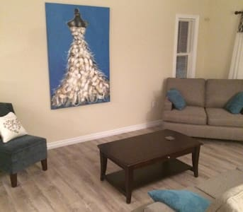 Button's AirBnB 1 - Eastern Passage - Talo