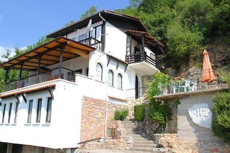 Villa Panorama Elen Kamen, Struga Macedonia - Villa
