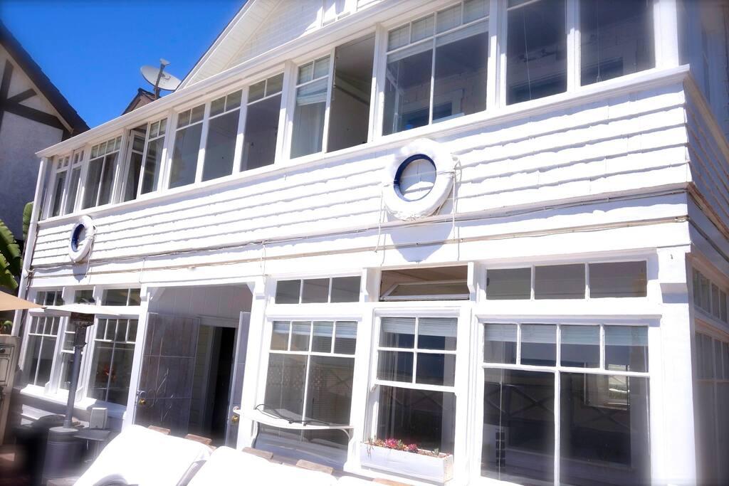 SANTA MONICA BEACH FRONT PROPERTY