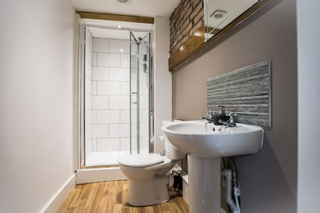No8 Accommodation Chepstow - Chepstow - Bed & Breakfast