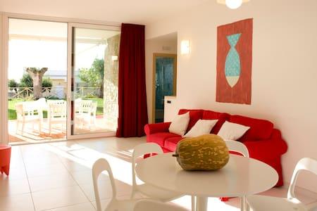 """Giù"":casa con giardino vista mare - Appartement"