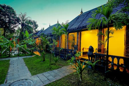 Deluxe Double-Garden View(Free round trip pick up) - Krong Siem Reap - Bed & Breakfast