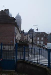 Maison de ville proche cathédrale - Noyon