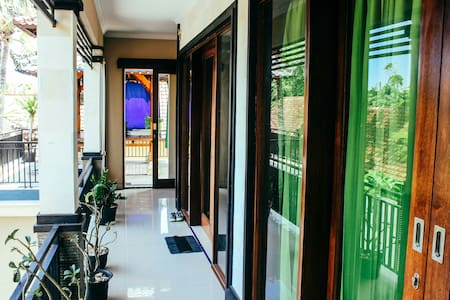 Canggu center 2 BR appart 4 persons - bali