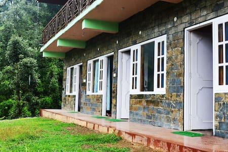 Vanvaas Home Stay (12 k.m away from Shimla) - Shimla