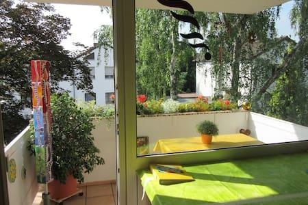 Wohnen im sonnigen, kreativen Ambiente - Wohnung