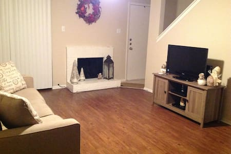 Close to DFW Airport, Dallas & Fort Worth - Bedford