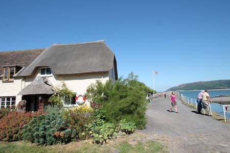 Holiday home on the Harbourside at Porlock Weir - Porlock - Casa