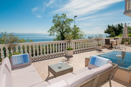 Luxury, spacious and sunny studio - Lovran - Huoneisto