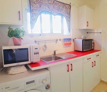 Central, romantic and well equipped  home - Haifa - Apartment