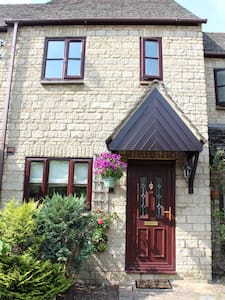 Cute house by the Cotswolds, Downton Abbey area! - Faringdon - House