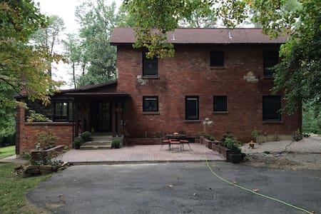 4 **** Accommodations - Louisville - Talo