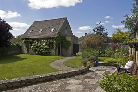 Temple Mews - A Cotswold Gem, tranquil and special - Broadwell