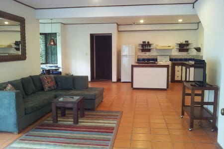 Beautiful Apartment/heated pool - Santa Ana - Apartmen