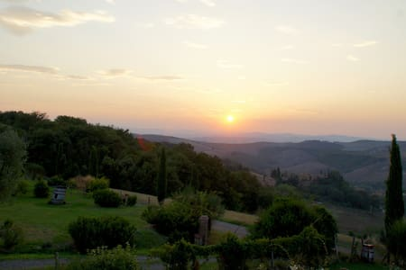 Farfalle - stunning Tuscany landscape views - Appartement