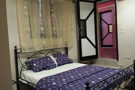 Belle chambre climatisée - Thies - Bed & Breakfast