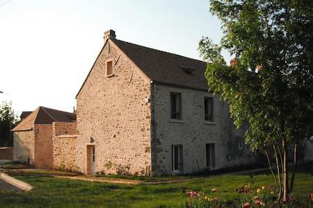 gite de la Forêt à la Ferme de la R - Les Essarts-le-Roi - Huis