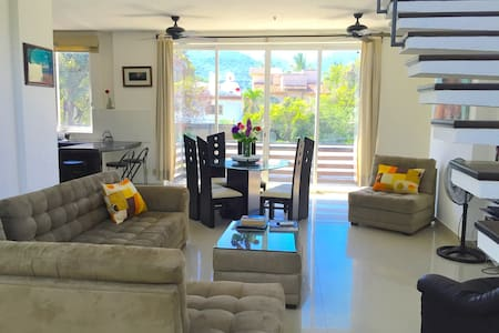 High Ceiling Apartment - A/C & WIFI - Puerto Vallarta